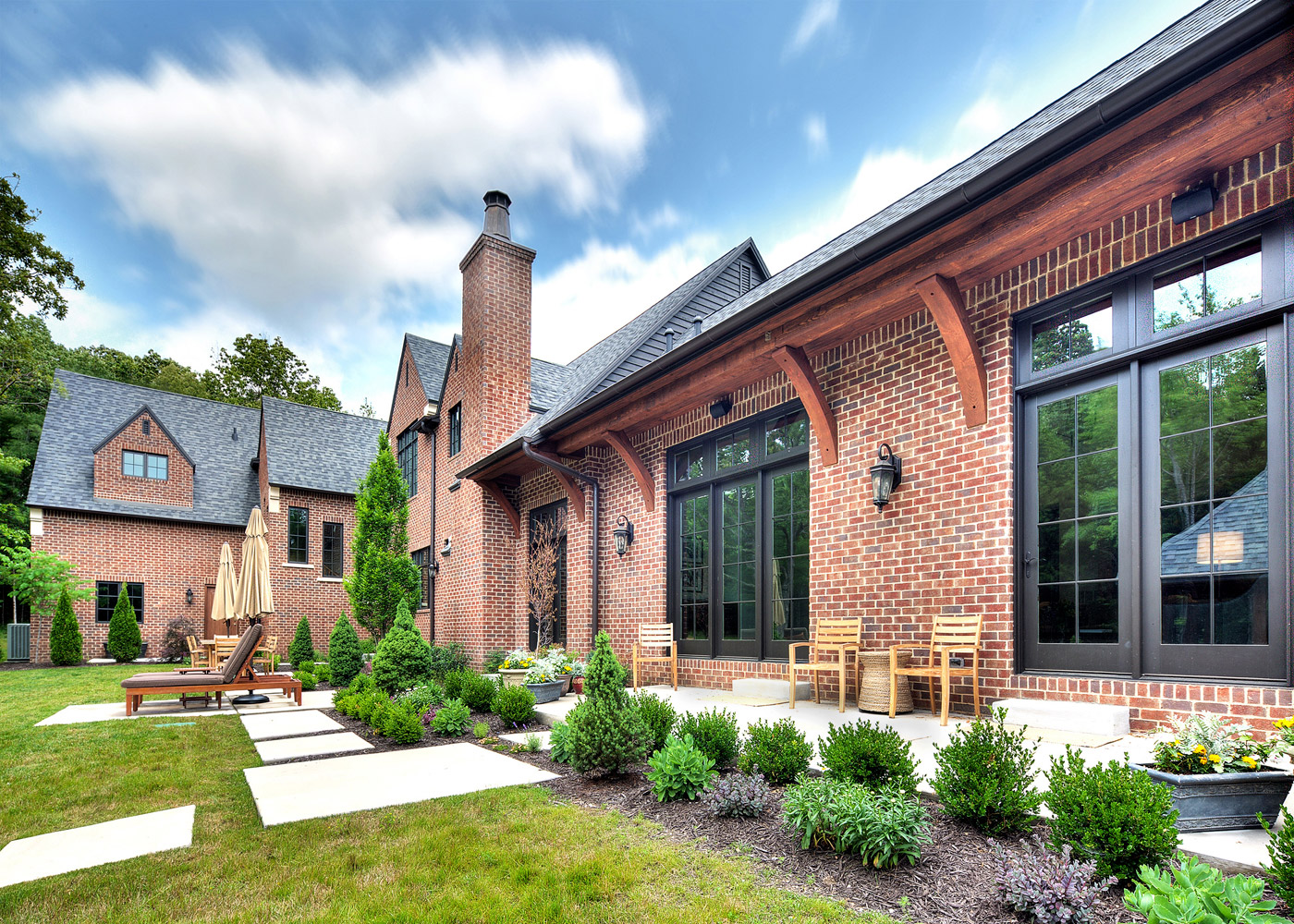 JLTDesign-Classic-Tudor-Rear-Patio
